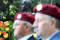 Památku Dr. Edvarda Beneše u příležitosti 125. výročí jeho narození uctili položením věnců obyvatelé Zlína.