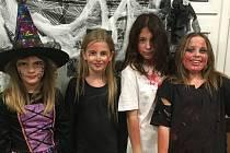 Do školy v Halenkovicích se nahrnuli kostlivci, upíři, čarodějnice či zombíci