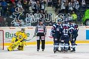 Utkání 42. kola Tipsport extraligy ledního hokeje se odehrálo 21. ledna v liberecké Home Credit areně. Utkaly se celky Bílí Tygři Liberec a Aukro Berani Zlín. Na snímku je radost hráčů Liberce, vlevo brankář Tomáš Štůrala.