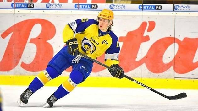 Matěj Sebera hrával fotbal i tenis, ale rozhodl se pro hokej