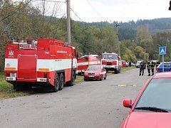 Na místě zasahovaly desítky hasičů i policistů.