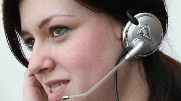 Podporu zákazníků na telefonu budou v Komerční bance zajišťovat zejména mladí lidé
