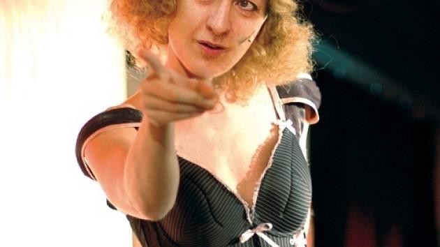 Alena Gajdůšková při vystoupení.