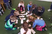 Děti z mateřské školy školy ve Žlutavě navštívily knihovnu.