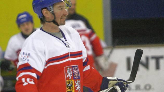 Legendy a osobnosti českého a slovenského hokeje se v sobotu střetly v Uherském Brodě.Petr Čajánek