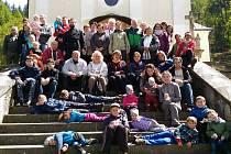 Charita Svaté rodiny a Římskokatolická farnost Luhačovice pozvaly 8. května rodiny, ale i tříkrálové koledníčky, jejich asistenty a kamarády na pouť na Provodov-Maleniska.
