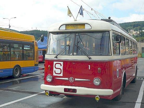 Zlínský historický trolejbus Škoda 9Tr.