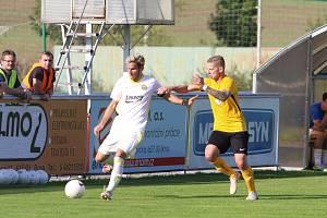 Fotbalista Rosic Daniel Přerovský (na snímku vpravo).