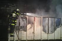 V Tomě hořel velkoobjemový kontejner