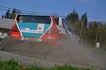 Závěrečný podnik sprintrally Říha Group Partr Rally Vsetín se jel v sobotu v okolí Vsetína.Titul šampiona získal na domácích tratích Jaromír Tomaštík