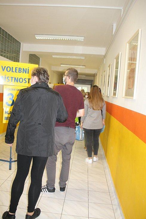 Volby ve volebním okrsku 33., 34. Zlín - Jižní Svahy.
