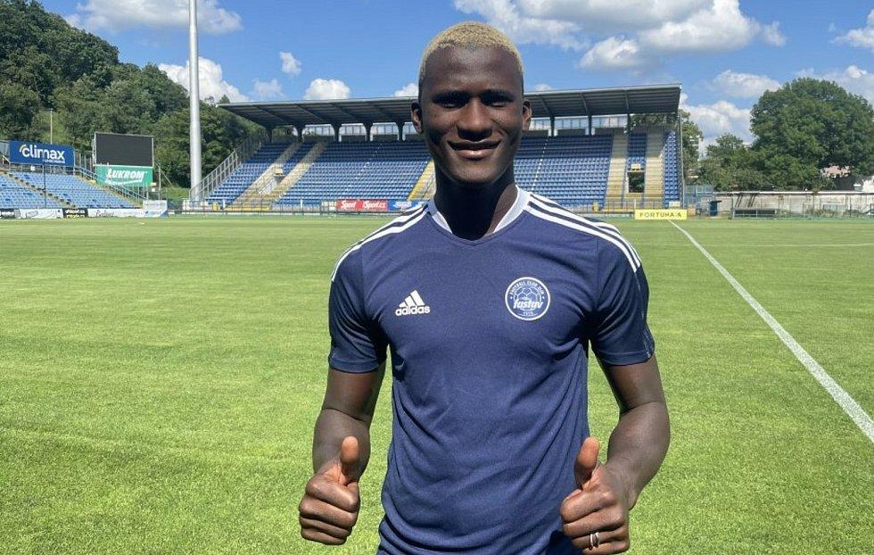 Fotbalista Cheick Conde je zpátky ve Zlíně. V pondělí absolvoval s týmem první trénink po návratu do Česka.