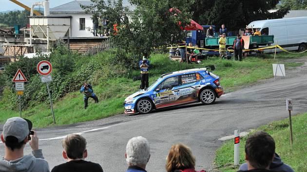 Zajímavé výkony a výsledky byly k vidění v rámci 50. ročníku Barum Rally na průjezdech rychlotsní zkoušky Březová.