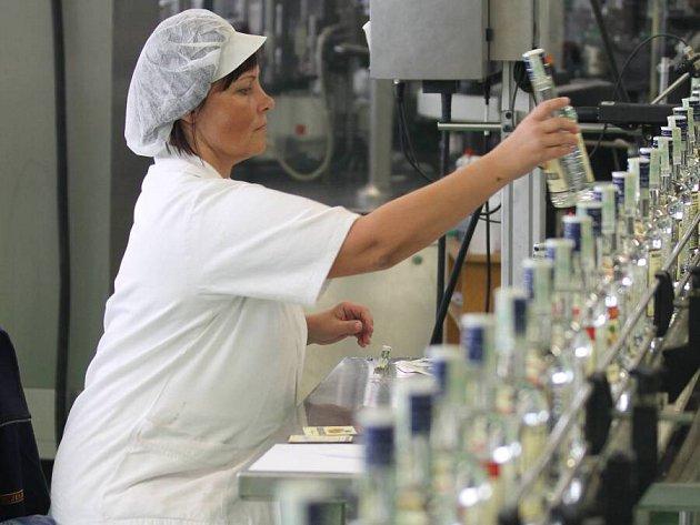 Vizovická likérka R. Jelínek doplňovala skladové zásoby i přes víkend