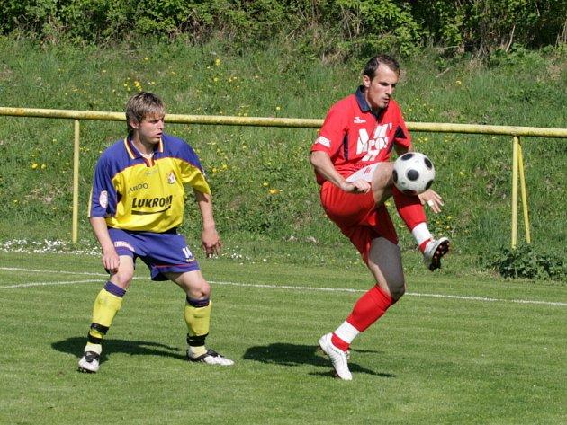 Fotbal Zlín B (ve žlutomodrém) - Blansko.