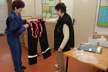 Ve Vizovicích začal výdej balíčků vybavení pro sbory dobrovolných hasičů z celého Zlínského kraje.