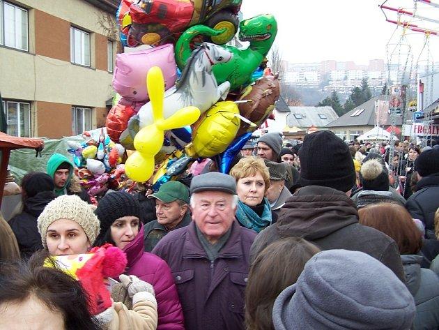 Loňský Lešetínský fašank si nenechaly ujít stovky lidí. Ilustrační foto