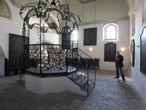 Šachova synagoga vHolešově.