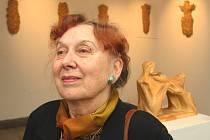 Sochařka Otilie Demerová-Šuterová vystavuje ve zlínském evangelickém kostele.