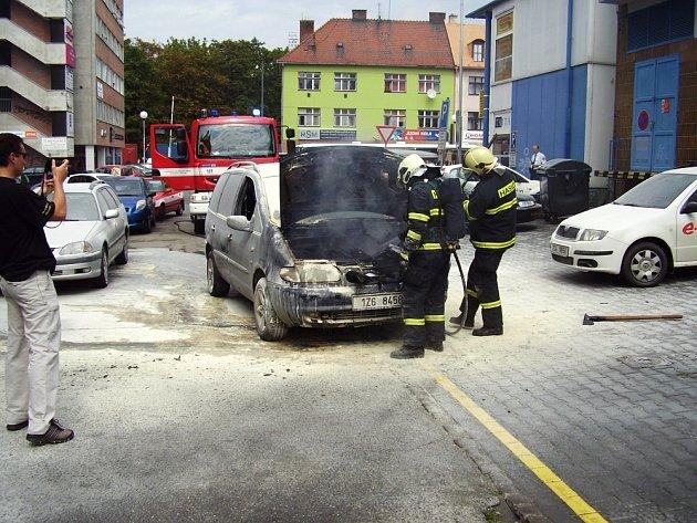 Požár auta v centru Zlína.