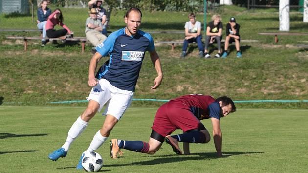 Bývalý útočník Zlína Martin Bača (v modrém) se na obratu ve Štípě podílel jedním gólem.