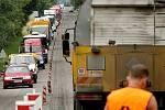 Silnice I/49 mezi Zlínem a Vizovicemi je už několik měsíců průjezdná jen částečně