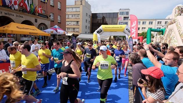 Festivalový půlmaraton ve Zlíně 2016.