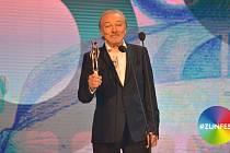 Karel Gott převzal ocenění Zlatý střevíček na Zlín Film Festivalu.
