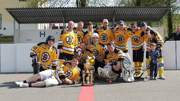 mužstvo Bostonu z Malenovické hokejbalové ligy