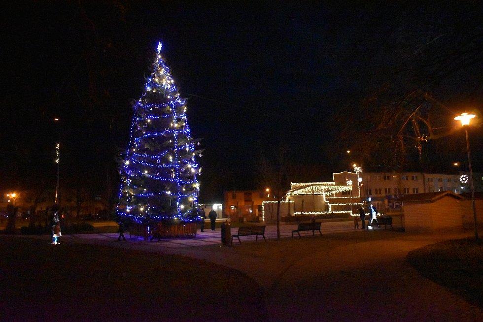 Vánoční strom 2020 v Hulíně.