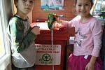 Základní škola a Mateřská škola Ludkovice. Žáci plní jeden z úkolů Recyklohraní.