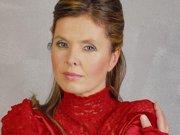 Přední česká harfenistka Kateřina Englichová.