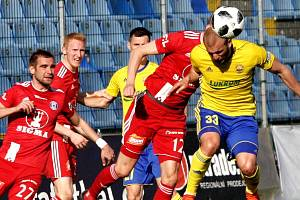 Fastav Zlín (ve žlutém) proti Sigmě Olomouc