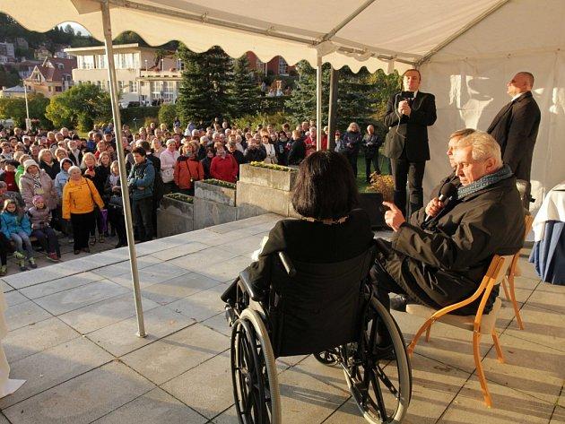 Prezident Miloš Zeman vLuhačovicích během návštěvy Zlínského kraje
