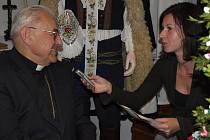 Bývalý primas český, kardinál Miloslav Vlk, zavítal během své návštěvy do  obce Strání.