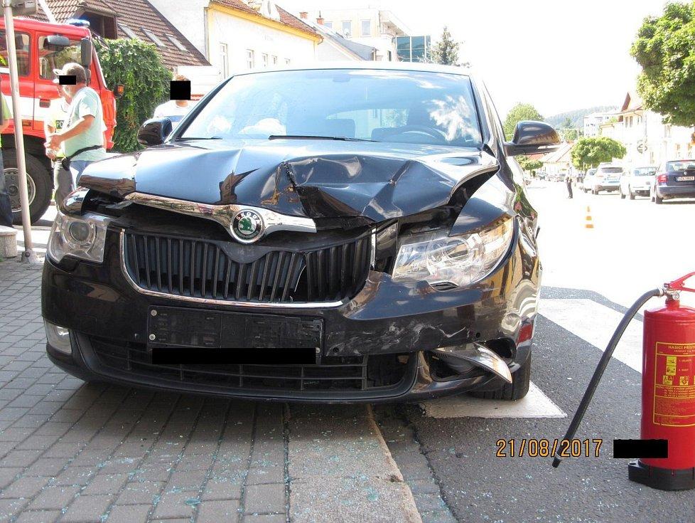 Nehodu odnesla i chodkyně.