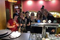 Na silvestrovské oslavě v tlumačovské Restauraci Schodky nechyběla ani zabíjačka