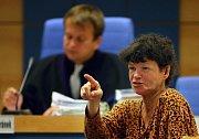 Oldřišku Golhovou, známou zlínskou firmu, poslal v pondělí 16. srpna okresní soud ve Zlíně do vězení na pět měsíců nepodmíněně.