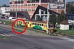 Vlak se ve Zlíně - Prštném rozjel dříve, než žena stihla vystoupit s kočárkem, na nástupišti zůstala její ani ne tříletá holčička
