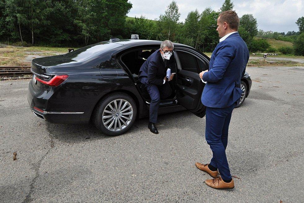 Premiér ČR Andrej Babiš přijíždí ve středu 14. července 2021 do areálu muničních skladů ve Vrběticích ve Zlínském kraji.