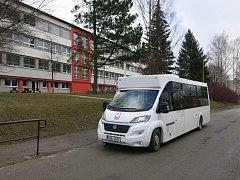 KLOBUS. Testovací provoz půjčeného autobusu bude trvat čtrnáct dní. Vozidlo je bezbariérové.