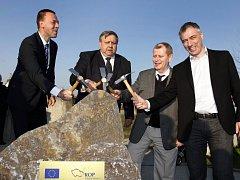 Slavnostní poklepání základního kamene regionální cyklostezky č. 471 Zlín-Otrokovice v Otrokovicích.