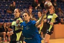 Interligové házenkářky Zlína (v modrém) doma v 16. kole porazily Písek 30:22.