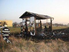 Požár mobilní buňky ve Hvozdné.