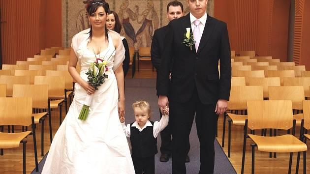 Utajená svatba snoubenců Edity Matůšové a Jindřicha Rzesotto v pátek 13. března.
