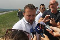 Ministr zemědělství Marian Jurečka ve čtvrtek 10. srpna 2017 jednal v Lukově na Zlínsku o aktuální situaci kolem afrického moru prasat.