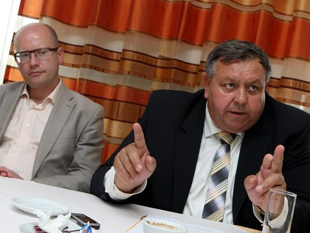 Tisková konference ČSSD v hotelu Moskva ve Zlíně.