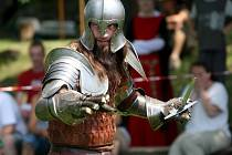 Středověký den na hradě v Brumově.  Vystoupení skupiny Berendal z Otrokovic