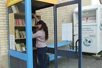 Čtenáři si mohou půjčit knížku z nové Knihobudky ve Žlutavě