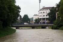 Řeka Dřevnice během povodně v červnu 2010. Ilustrační foto